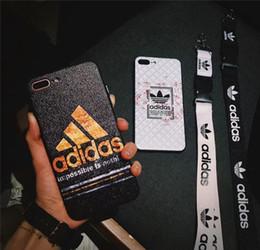 2019 colhedores para iphone mais telefone Top marca de moda carta impressa ad mobile phone case capa para iphone xs x max xr 7plus 8 plus 6 plus 7 8 6 tpu + pc com cordão desconto colhedores para iphone mais telefone