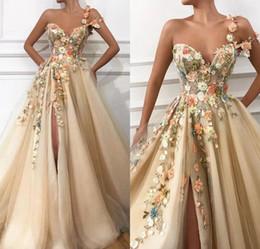 Um ombro vestido azul on-line-Vestido Longo 2019 lindo um ombro Omã Handmade Flores Arábia Saudita Sexy alta Slit Champagne vestidos de noite formal
