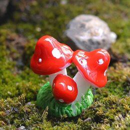 2019 caneta de incenso XBJ227 bonito Mini Red Ornament Mushroom Resina Artesanato Fada do jardim Miniatures decoração do jardim Terrário Figurines Decor DIY Dollhouse