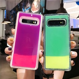 Неоновые ноты онлайн-Светящаяся Неоновая Песочная Крышка Для Samsung Galaxy S8 S9 S10 Plus Примечание 8 9 Свечение В Темных Жидких Блестящих Зыбучих Песках