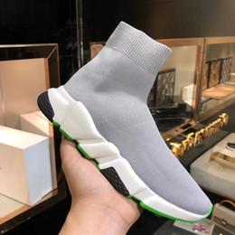 2019 пары резиновые туфли Плоские повседневные туфли мужские туфли на носках женские скоростные кроссовки носок кроссовки пара скольжения на флуоресцентные резиновые подошвы туфли дешево пары резиновые туфли
