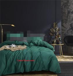 coperte di quilt verde Sconti 1 pezzo copripiumino singola regina king size trapunta copre 100% cotone tinta unita 60S rasatello biancheria bianco verde blu rosso 150 * 200 cm