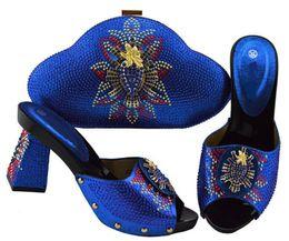 2019 bello stile abito reale degli abiti Bellissime décolleté da donna blu royal con scarpe africane stile strass abbinate alla borsa per vestito JZS-04, tacco 9CM bello stile abito reale degli abiti economici