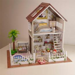 2019 große plastikpuppen Großhandel-Montage Diy Puppenhaus Holz Puppe Häuser Miniatur Möbel Kit Zimmer Led Lichter Kinder Geburtstagsgeschenk K0203