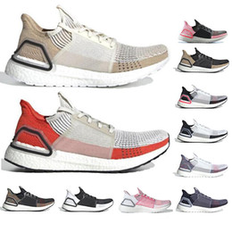 Las mejores zapatillas naranjas online-Mejor calidad Ultra Boost 2019 Nube blanco negro Oreo Active Orange Refract Dark Pixel Hombres Mujeres Zapatos para correr UltraBoost 19 Zapatillas 36-45