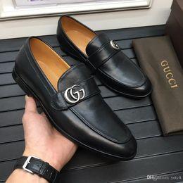20FW italienische Mens spitze Zehe Kleidschuh Luxusmarken Hochzeit Schuhe echtes Leder Oxford Schuhe für Männer formale Schuhe Brogue derbies YECQ3