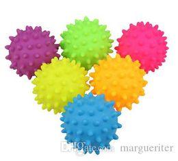 Игрушки для собак онлайн-Резиновый шарик Pet Dog Sound Chew Toy Puppy Teddy Bite Тренировочные игрушки Смешные скрипучий шарик