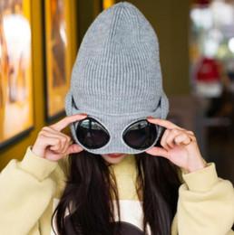 2019 chapéu cinzento do bobble Tampas das mulheres À Prova de Vento Óculos de Lã Chapéu de Inverno Moda Gorros Cap Fixação Empilhamento Chapéus De Malha Das Mulheres Personalidade de Esqui Cap