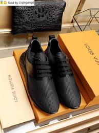 Argentina Liujingang8 Negro acoplamiento respirable de los zapatos ocasionales de los zapatos 2022 Guan vestido de los hombres botas de los holgazanes de las zapatillas de deporte controladores hebillas sandalias Suministro