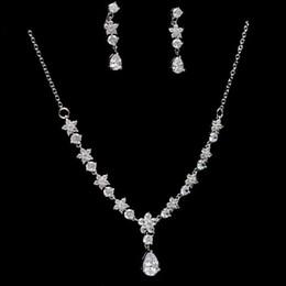 ensembles de bijoux de mariée bleu clair Promotion 2019 nouvelle mariée simple zircon ensemble chaîne bijoux / robe de mariée avec accessoires / dans le magasin pour choisir plus de styles