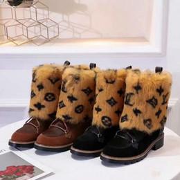 2019 tecido cristão Mulheres Marca Botas de Inverno Quente couro Fur Botas Top Quality neve quente botas sapatos da moda de inicialização Casual com pele Slides