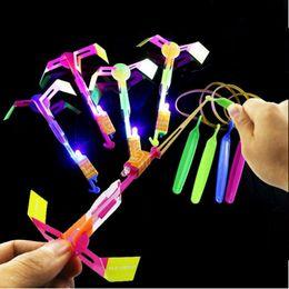 blinkende windmühlenspielzeug Rabatt Rocket-Flash-Pfeil Luminous Big Schleuder LED-Licht-Pfeile-Flash-Hubschrauber-Fliege Emitting Kinderspielzeug für Kinder-Party-Dekoration-Geschenk