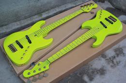 Guitare basse électrique Grass Green à 5 cordes avec pont Wilkinson, manche en érable et accessoires matériels, offrant des services sur mesure ? partir de fabricateur