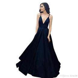 vestido de sirena blanca kim kardashian Rebajas 2019 nuevos vestidos de noche sin espalda sexy Vestidos De Fiesta Cuello en V profundo Correas espaguetis Una línea Vestidos de fiesta de baile con cordones Volver E010