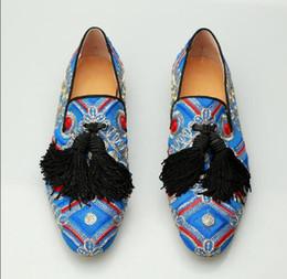 Chinesisches gewebe für männer online-Große Marke chinesischen Stil Seide Stoff gestickt handgefertigten Herren Loafers exquisite Quaste Trend Slipper kausalen Single Smoking Schuhe