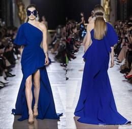 2020 elie saab einfach Günstige Einfache Elie Saab Royal Blue One-Shoulder-Hallo-Lo Abschlussball-Kleider falten 1/2 Hülsen-Abend-Partei-Kleid Formal Wear Vestido rabatt elie saab einfach