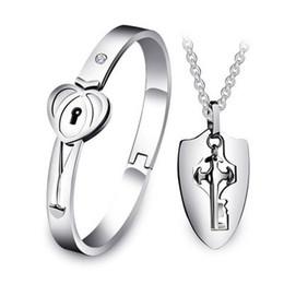 2019 colar dos corações dos forever Seu e dela estilo coreano Titanium Segure a chave do meu coração para sempre Duplo coração Bangle Bracelet and Pendant Necklace colar dos corações dos forever barato