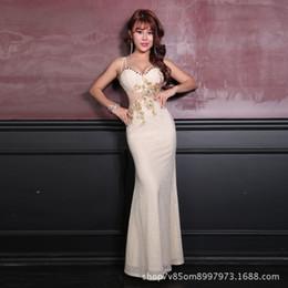 Belles robes de soirée pour les femmes en Ligne-Nouvelle discothèque de femmes sexy cocktail belle robe longue poitrine faible creusé dîner soirée cérémonie robe femme