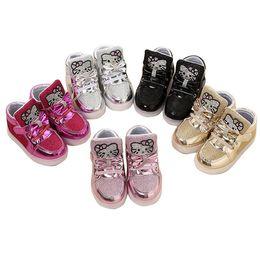 Scarpe da bambino a stock pronto Scarpe da bambina Light Up Toddler per bambina Scarpe da ginnastica per bambini Hello Kitty Kids Girl Leisure LED Cat Shoes da