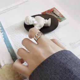 Anelli cavi online-G S925 Sterling Silver Ring semplice Versatile Lettera Hollow spalancando dei volti dell'anello di barretta anello femminile