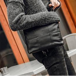 Deutschland Fabrik großhandel männer handtasche straße trend überprüfen umhängetasche große kapazität weichem leder handgelenk tasche mode überprüfen leder handtasche cheap check clutch Versorgung