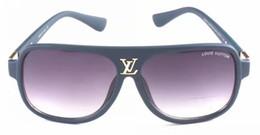 occhiali da squalo Sconti Designer di lusso Occhiali da sole per uomo Stilista Specchio ovale in vetro con rivestimento ovale in vetro UV40