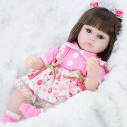 jouet gros dauphin en peluche Promotion Silicone Reborn Simulation bébé Bebe poupées reborn doux enfant en bas âge Bébé Jouets fille enfant cadeaux d'anniversaire de Noël. # KK