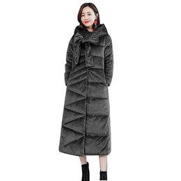 77ef69308cc Frauen 2018 Winter Samt Mit Kapuze Daunenparka Weibliche Lange Samt Parka  Lässige Warme Jacke Overwear Dame Elegante Mäntel Outerwer V356
