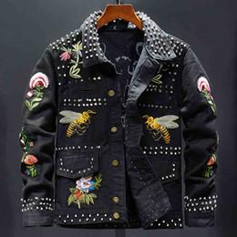 длинный верхняя одежда жакет женщин цветок пальто Скидка Женская мода заклепки цветок пчелы вышивка черная куртка с длинным рукавом тонкий деним пальто короткая дизайн вышитая одежда 2019