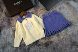 девушки бежевые шорты юбка Скидка Девушки набор детей дизайнер одежда 2019 нового отворот пуловер + короткая юбка 2pcs бежевого столкновение синей случайных мод принцессы девочек костюм