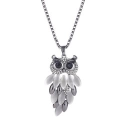 vintage opal necklaces Coupons - Vintage Charming Bordered Alloy Opal Owl Pendant Necklace For Women choker Lady Girls Owl Pendant Long Chain Sweater Necklace