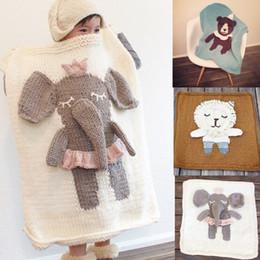 Manta de bebé hecha a mano online-manta del bebé Los niños osos elefante león hecho a mano de punto manta ponderada niños de dibujos animados forma animal Toallas de baño Manta swaddle Quick