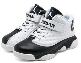 Niños azul marino zapatos niñas online-Diseñador Bebé Niños Calzado de baloncesto Calzado deportivo juvenil para niños 13s Zapatillas deportivas para niñas blancas y blancas Zapatillas azul marino Tamaño de la UE: 28-35