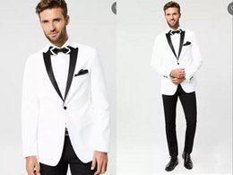 Blazer blanco pantalones negros ropa formal online-2020 Moda blanco y negro Trajes de chaqueta con los pantalones largos del partido formal del boda esmoquin para los hombres Trajes de negocios Bridegoom Wear 3 pieza