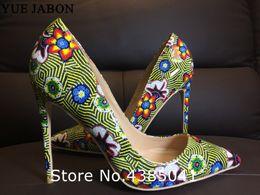 Flores verdes bombas online-Verde Mujeres Retro Impresión Flores Bombas Tacones Altos Zapatos Mujer Plataforma Bombas Sexy Punta estrecha Delgado Zapatos de tacón alto Mujer Bombas