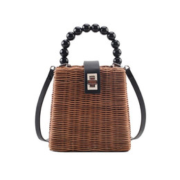 Верхние пляжные сумки онлайн-Wicker Woven Shoulder Messenger Handbags Summer Beach Women Casual  Small Crossbody Top-handle Bags 2019 Hot Selling