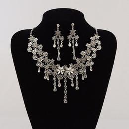 2019 bijoux en diamant usés Le collier de diamant d'alliage d'accessoires multifonctionnels de robe de mariage deux morceaux peuvent être utilisés comme accessoires de cheveux Bijoux nuptiales HT148 bijoux en diamant usés pas cher