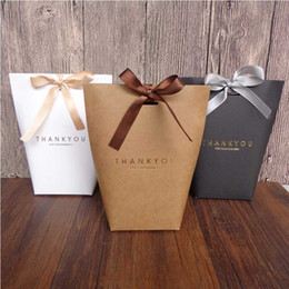 Черная подарочная бумага онлайн-10 шт. Черный Белый Merci Спасибо Подарочная Упаковка Конфеты Крафт-Бумага Мешок Печенья Подарочные Пакеты Свадьба Dragee Box Wrapping Supplie