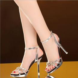 2019 обувь на день Босоножки на высоком каблуке женские тонкие каблуки 2019 летом новые европейские и американские сексуальные открытые носки высокие каблуки стразы банкет знакомства женская обувь скидка обувь на день