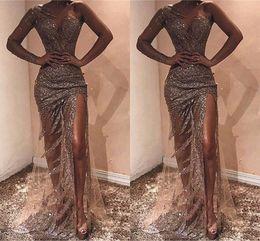 2019 vestido de lantejoulas Sliver cheio de lantejoulas sereia longos vestidos Prom Com Frente Slit Sexy Tull Um ombro Tulle Vestidos Formal Eventos vestido de lantejoulas barato