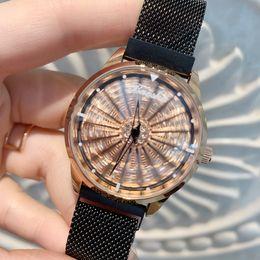 2019 relógios magnéticos 2019 Uma peça / lote Relógio de Ouro com Strass diamante de Aço Inoxidável Presente Para As Mulheres Senhora relógio de Pulso elegante relógio de rolamento dial ímã de bloqueio relógios magnéticos barato
