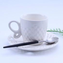 Tazza in ceramica creativa e personalizzabile in porcellana bianca Caffè Colazione in tazza e tazzina Tazza da tè in stile europeo da tazza di caffè bianco della porcellana fornitori