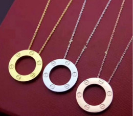 2019 weiße perlenhalskette entwirft gold Modeschmuck lieben Ring Halskette überzog Gold 18K Schraube Halskette mit Rose Gold Platinum Fashion Frau Liebe Geschenk 3 Farben