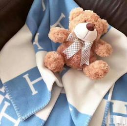 colchas azuis claras Desconto Letra inicial H Cashmere Blanket Crochet Macio Cachecol De Lã Xale Portátil Quente Xadrez de Lã De Malha Throw Cabo de Toalha Para Sofá Sofá cama