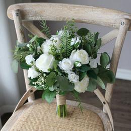 Broche verte de mariée en Ligne-INS blanc fleur verte bouquets de mariée 2020 feuilles d'eucalyptus mariage Décoration artificielle Bride holding Broche bouquet de fleurs