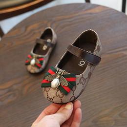 láminas de caucho Rebajas Nueva Llegada 1 par Venta al por menor Primavera y Otoño Zapatos de bebé Zapatos de lona recién nacidos Decoración clásica de la abeja Primeros caminantes Envío gratis