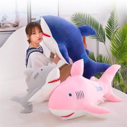 Desenhos animados do oceano on-line-40/55/65 cm Dos Desenhos Animados Tubarão Brinquedos de Pelúcia Baleia Recheado Animais Do Oceano Dos Peixes Boneca Kawaii Para Crianças Caçoa o Presente Do Bebê