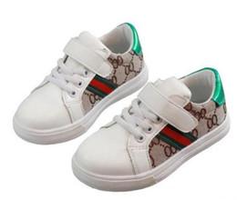 Zapato nuevo coreano online-Nuevo diseñador de moda Calzado para niños Calzado casual para niños Zapatos de costura coreanos para bebés