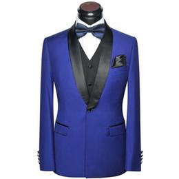 Trajes de los hombres de la boda azul real 2019 chal de solapa Slim Fit chaqueta de tres piezas Pantalones negros Chaleco Último diseño esmoquin de novio desde fabricantes