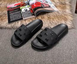 2019 sandalias dedos del sexo 2019 nuevas sandalias de diseño Tiger Cat hombres de impresión de abeja de goma de cuero suave de las sandalias de las mujeres del tamaño 35-45 zapatilla con la caja